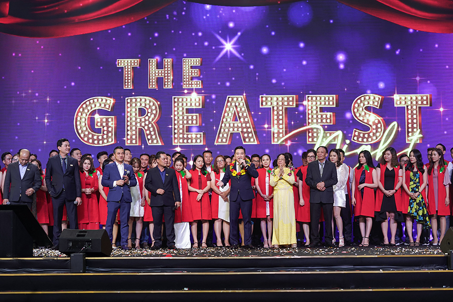 """A wonderful and brilliant night at """"Hung Thinh - The Greatest Night"""" Gala"""