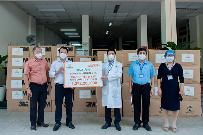 HUNG THINH CORPORATION CONTRIBUTES MEDICAL EQUIPMENT WORTH NEARLY VND 2 BILLION TO 115 PEOPLE'S HOSPITAL AND GIA DINH PEOPLE'S HOSPITAL