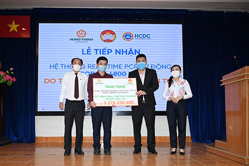 HUNG THINH CORPORATION DONATES AUTOMATIC COVID-19 TESTING MACHINE WITH NEAR VND 5.3 BILLION FOR HO CHI MINH CITY CENTER FOR DISEASE CONTROL