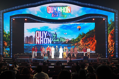 QUY NHON BURSTS WITH STRONG VITALITY THROUGH MUSIC NIGHT